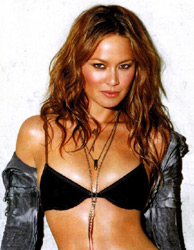 Мун Бладгуд (Moon Bloodgood)